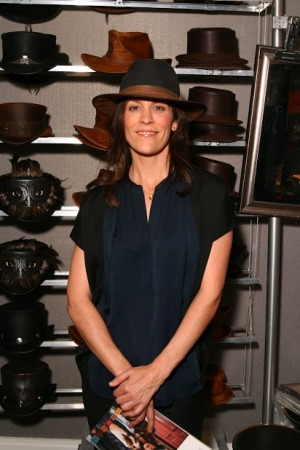 Annabeth Gish - The X Files - Scandal - American Hat Makers