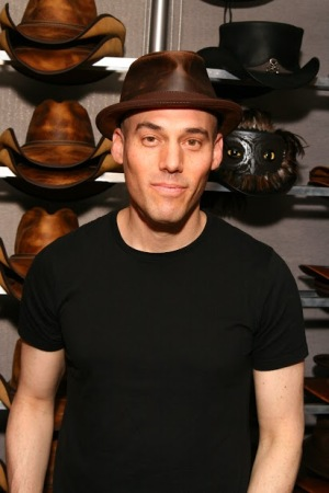 Joshua Oppenheimer - The Look of Silence - American Hat Makers