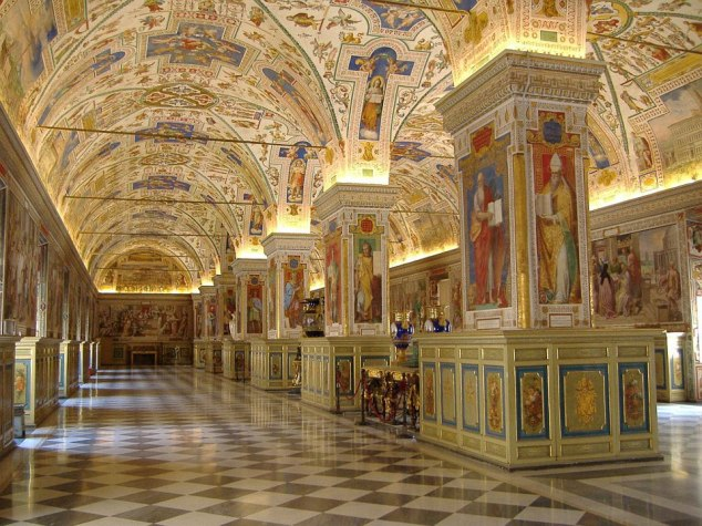 TheVaticanMuseumsInterior_FB