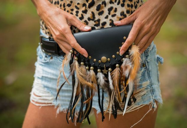 Hip pack feathers
